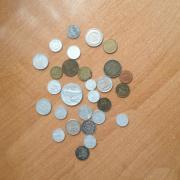 Купюры, монеты, купоны