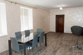 Продам будинок в Рівному центр з ремонтом
