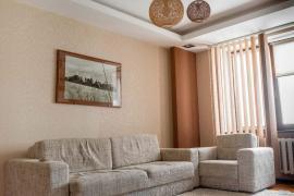 Продається відремонтована двокімнатна квартира в самому серці Рі